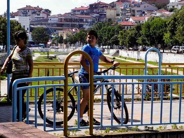 velosipedistite proterani od stip 1